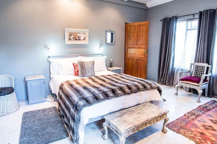 Mabet Private En-Suite Guest Room