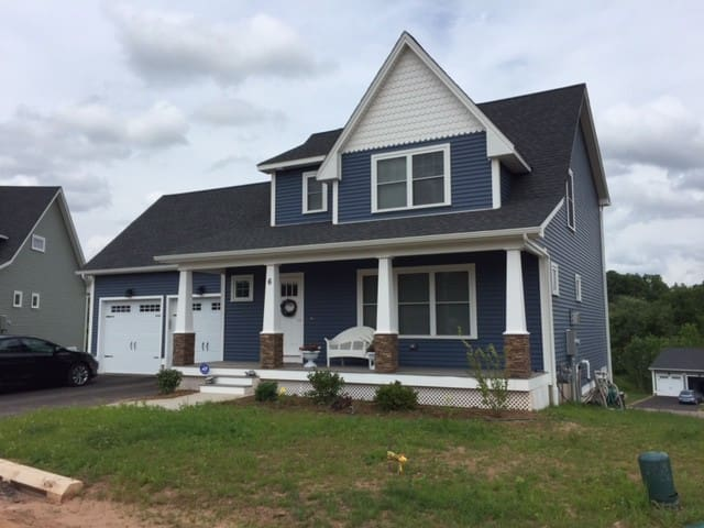 Brand New House Close to Airport and 2 Cities - Suffield - Dom