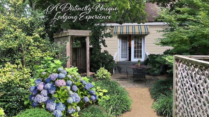 Secluded Garden Cottage in Downtown Little Rock