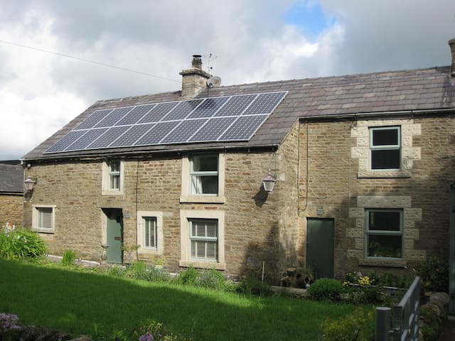 Clough Head Cottage, Nr Buxton - Buxton - Casa