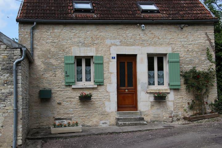 LE BOURGUIGNON - Tanlay - Dům