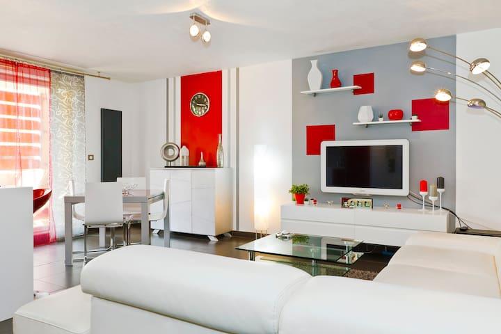 WONDERFUL TWO BEDROOM APARTMENT - Le Pontet - Apartmen