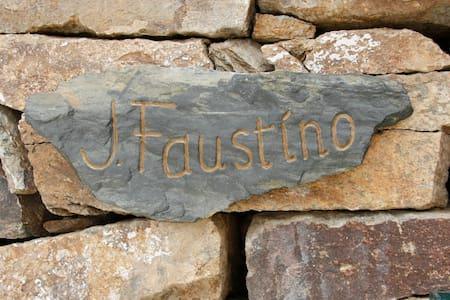 Bairro do Casal, Casa do J.Faustino - Murça do Douro