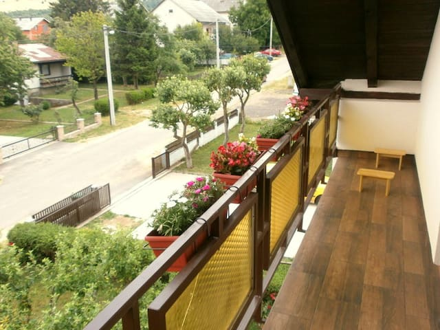 The big loft with balcony - Korenica - Loft