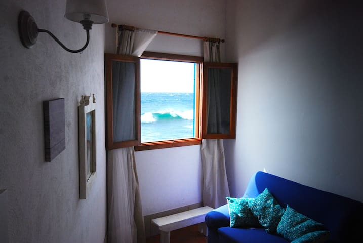 Main bedroom facing the sea