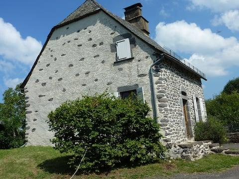 Traditionnelle maison auvergnate