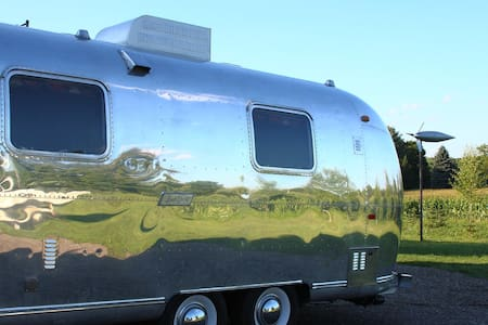 1971 Airstream 25 foot fully redone - Charlevoix