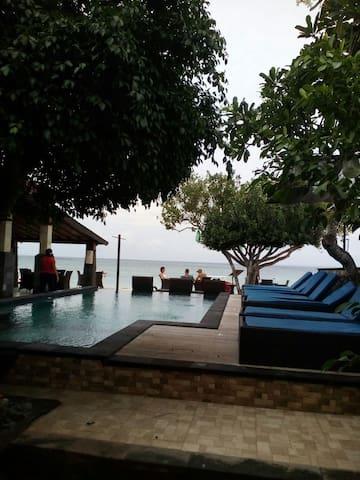 Cozy Deluxe Beach Bglw @Lembongan - Badung Regency - Flat