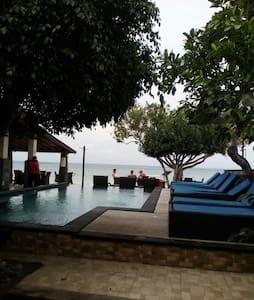 Cozy Deluxe Beach Bglw @Lembongan - Badung Regency