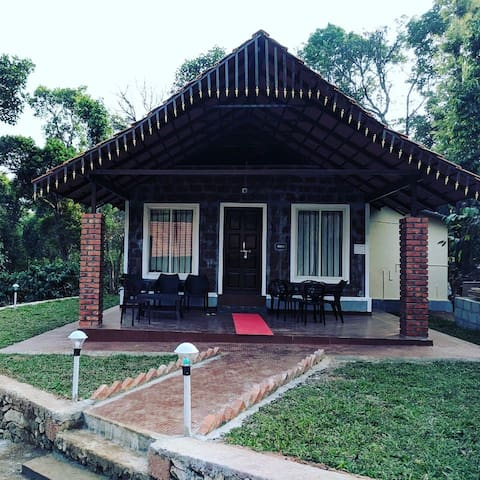 Kambalakaad Holiday Home - Chikamagalur