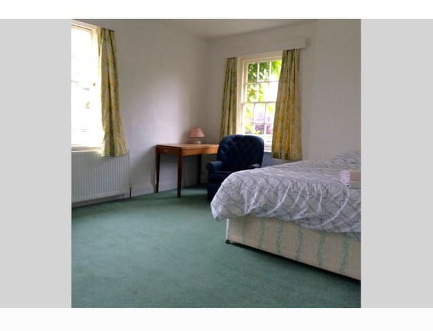 Double room in listed cottage - Winslow - Casa