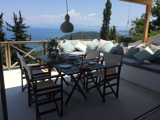 Piece of Greek Paradise! - Chlomos - Casa