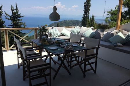 Piece of Greek Paradise! - Chlomos - Rumah