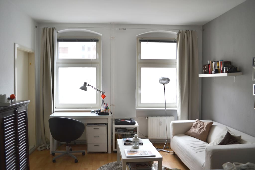 gem tliche single wohnung in mitte condominiums for rent in berlin berlin germany. Black Bedroom Furniture Sets. Home Design Ideas