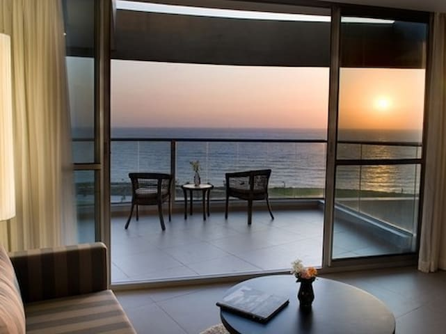 primier suite with ocean view :)... - Netanya - Apartment