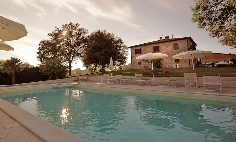 **Toscana FarmHouse in Naturalinda *** - Colle di Val d'Elsa - Apartament