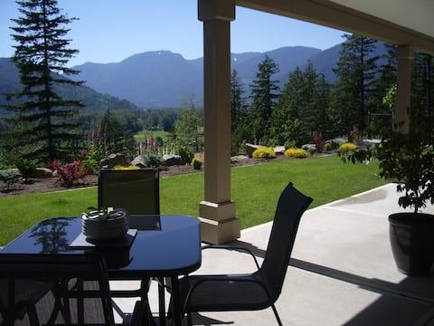 Where Eagles Soar Garden Retreat