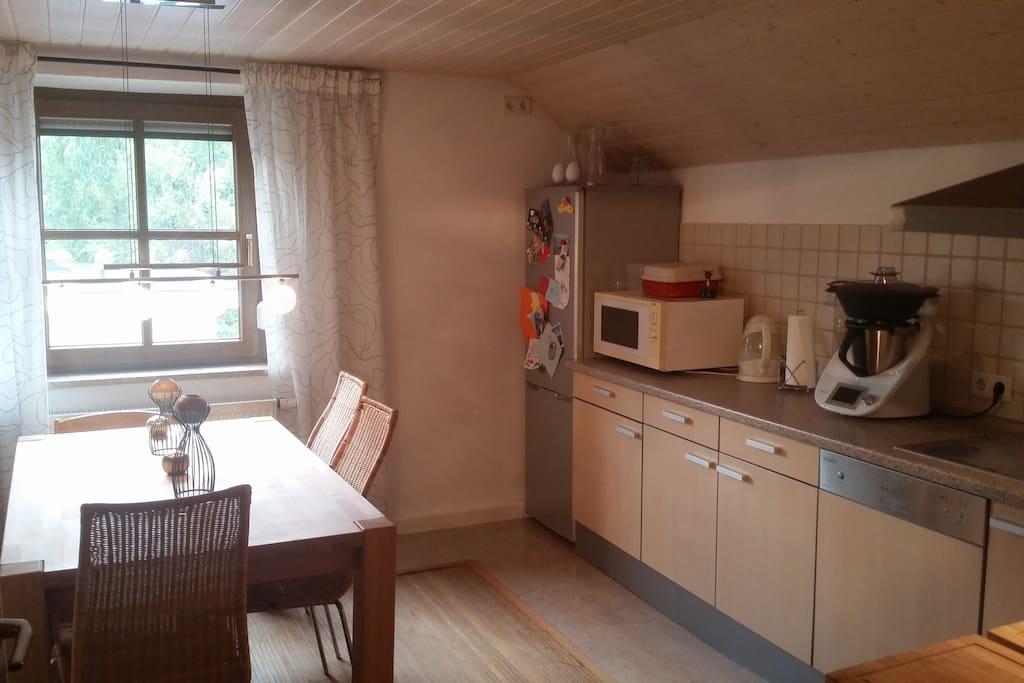 gem tliches zimmer in regensburg wohnungen zur miete in regensburg bayern deutschland. Black Bedroom Furniture Sets. Home Design Ideas