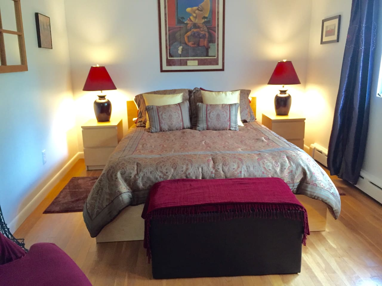 Queen bed, fresh linens, private bath and water views await you
