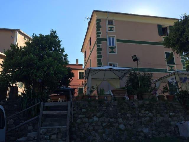Prestigious apartment -Liguria