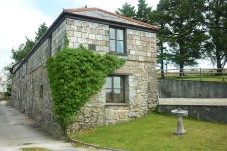 Hopslandholidays  converted barn - Liskeard