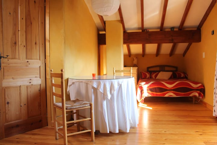 Estupenda hab. luminosa y acogedora - Bimenes - Bed & Breakfast