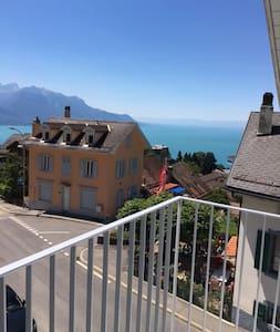 Bellissimo app. design, 6 p, Vista lago e montagne - Glion - 公寓