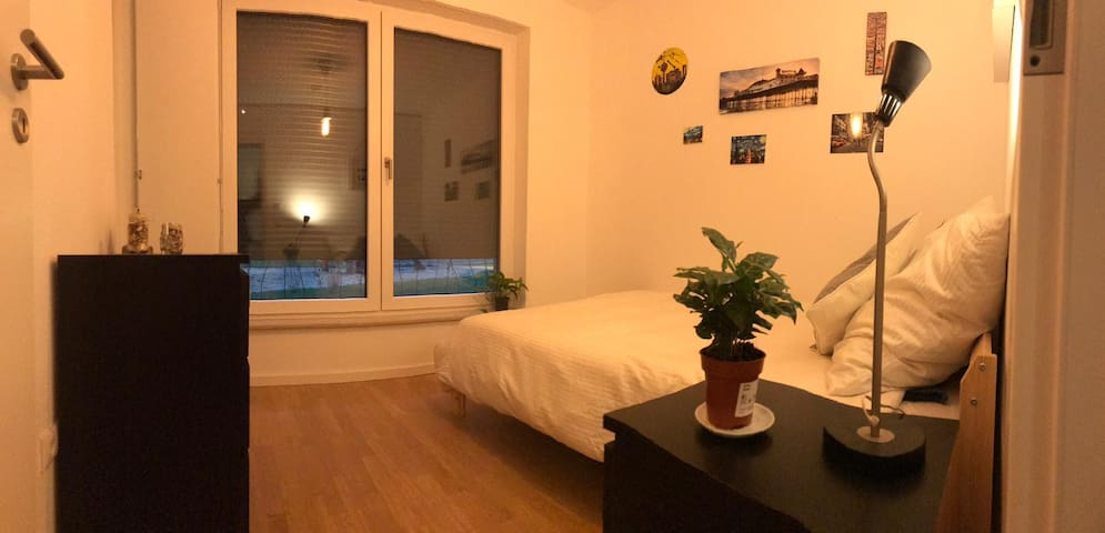 Quiet and nice room Frankurter Allee