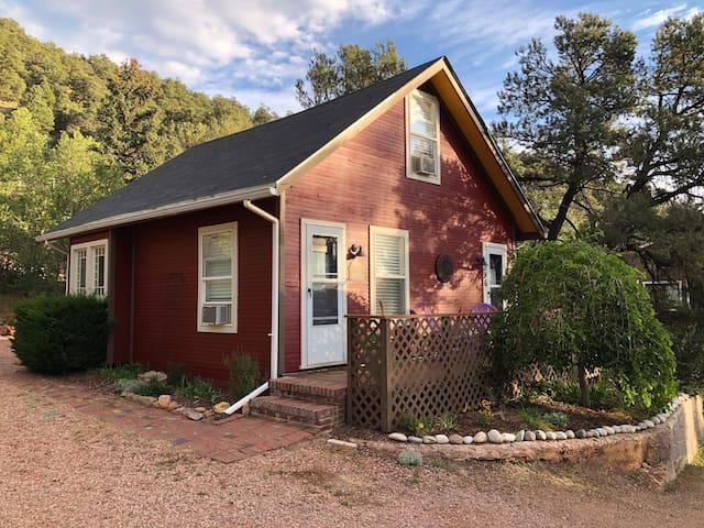 Quiet, Peaceful, Mountain Cottage