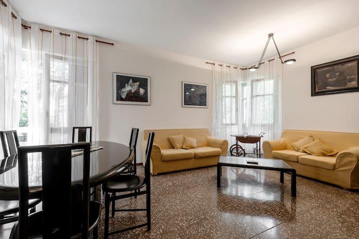 Accogliente Villino nel verde - Como loc Prestino - Casa