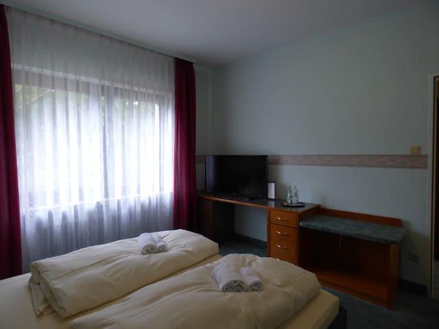 Doppelzimmer mit Waldblick