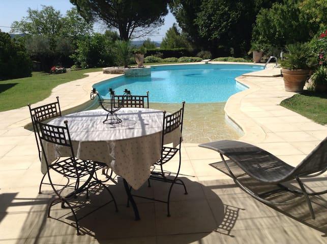 Appartement avec piscine au calme - Velaux - Hus