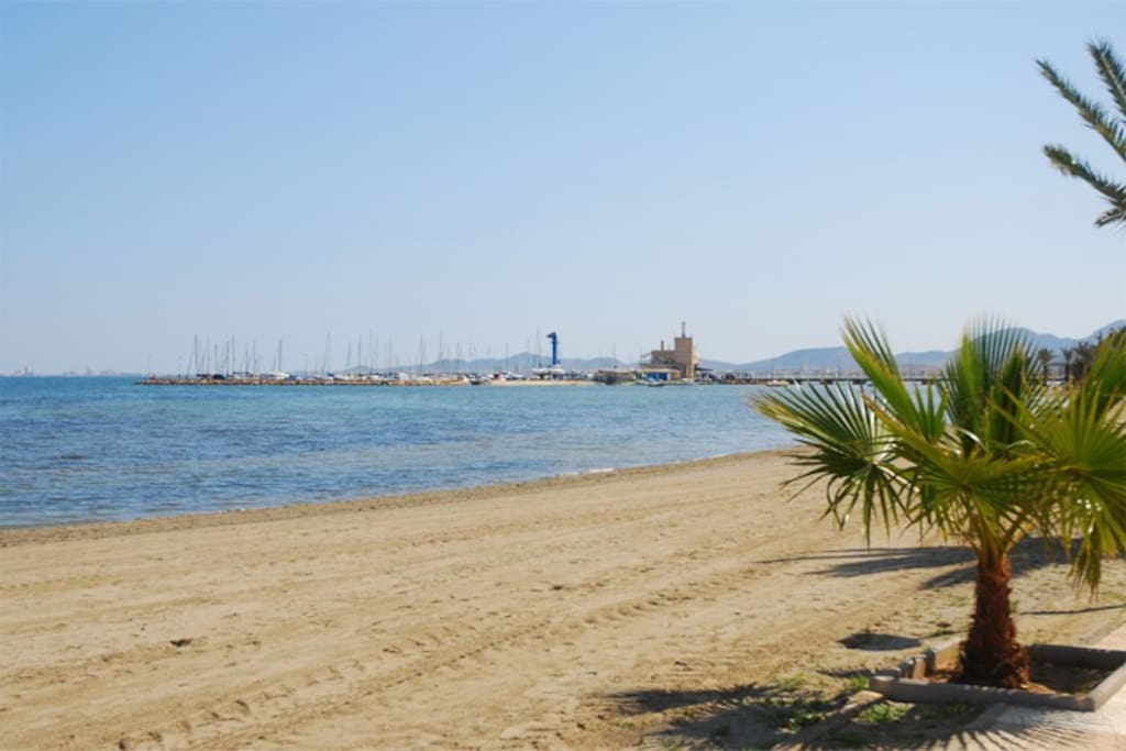 Less than 10 minutes walk to this beach and marina. Bars, restaurants, market and shops are all here!