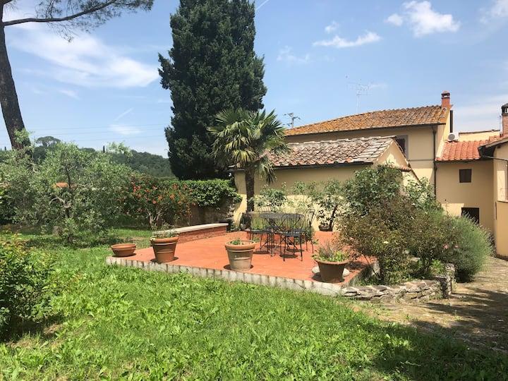 Enjoy tuscan countryside! Villa La Scuola