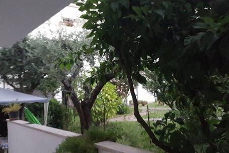 Bilocale con giardino prima fila mare + pineta - Porto Sant'Elpidio