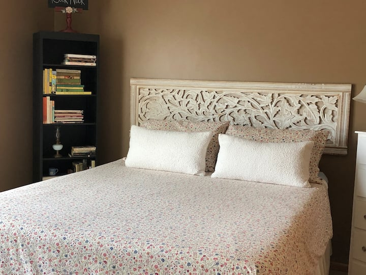 Minnesota Bed & Book Nook