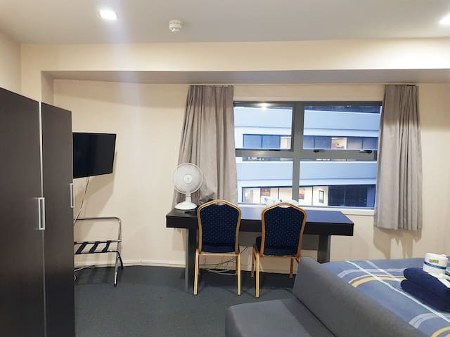 Studio Apartment (Auckland City center)