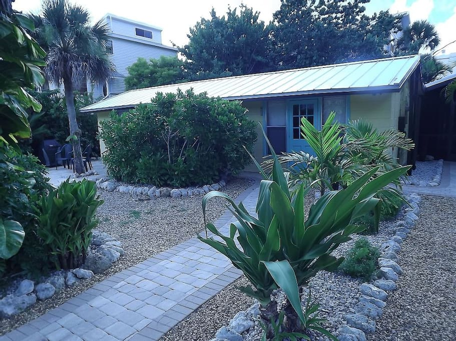 Beachcomber Guest House 150 FEET TO BEACH! - Guesthouses ...