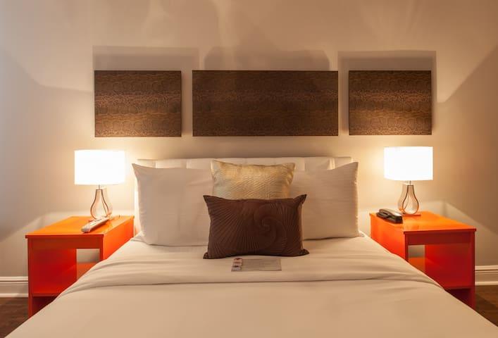 Collins Av Odyssey Apart/Hotel 1 Bed Suite