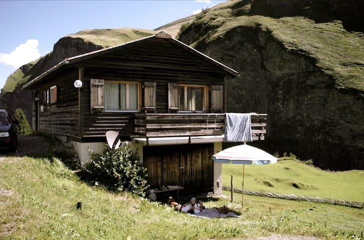 Charmantes Ferienhaus im schönen Safiental
