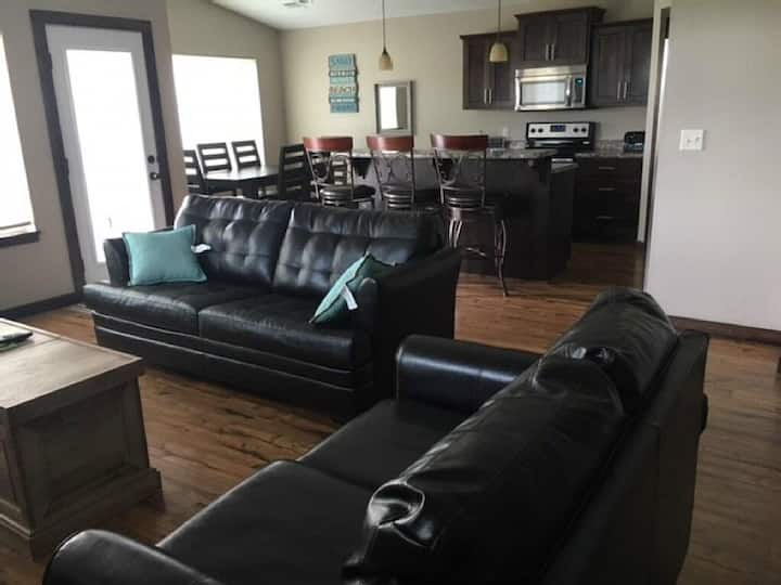 Book now!Finished garage.Ranch style.Great deal!!!