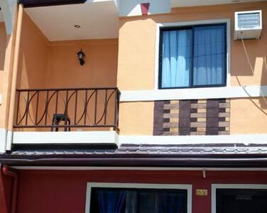 Semi-Furnished Townhouse for rent - Butuan City - Maison de ville