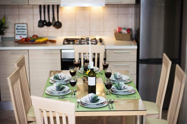 FULLY EQUIPPED KITCHEN - DINNING AREA
