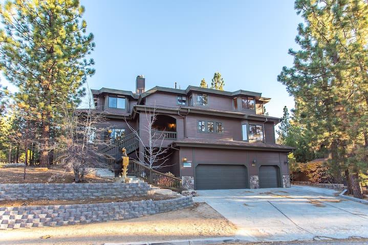 Huge & Luxurious Big Bear Home - Big Bear Lake - Rumah
