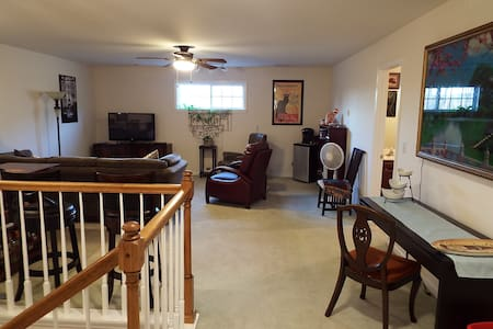 Spacious & cozy 3 room/1 bath unit in Chattanooga. - Chattanooga - Szeregowiec