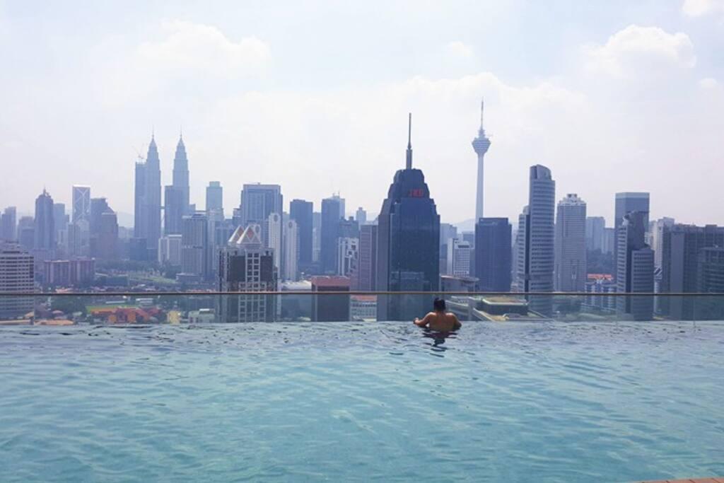Swimming pool on high floor