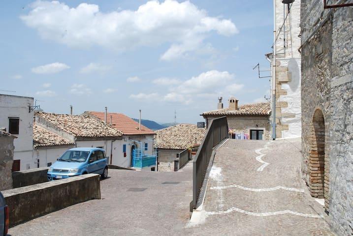 Casa indipendente centro storico Bovino