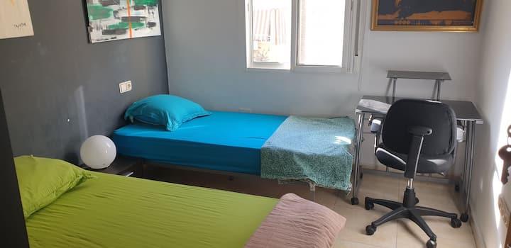 Habitacione (2 camas) y bano