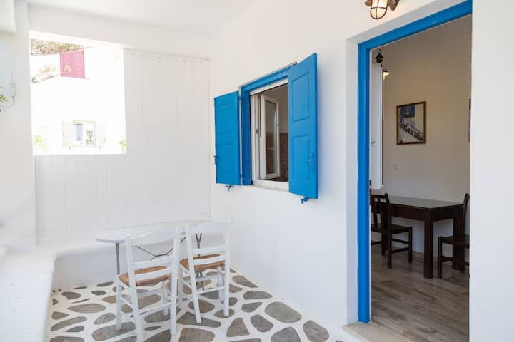 Studio with Double Room ( Villa Vasilis Ornos )