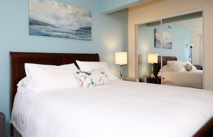 Queen Size bed guarantees a great night's rest